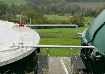 Un toit à double membrane couvrant la cuve de méthanisation, ainsi qu'une aire fermée de stockage du digestat, garantissent une étanchéité totale évitant toute émanation de méthane dans l'atmosphère.